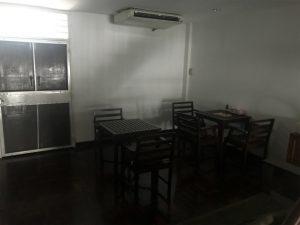 1階奥、明かりの消えたカウンセリングルーム